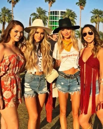 Girls with cowboy hat
