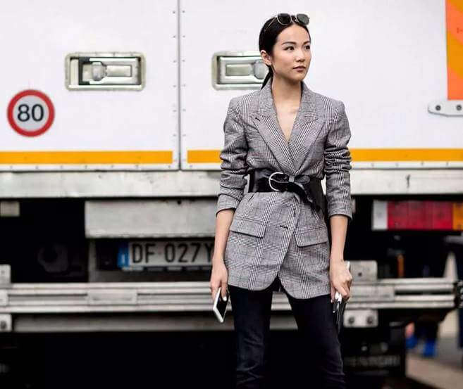 How to Style up a Suit Jacket (26)