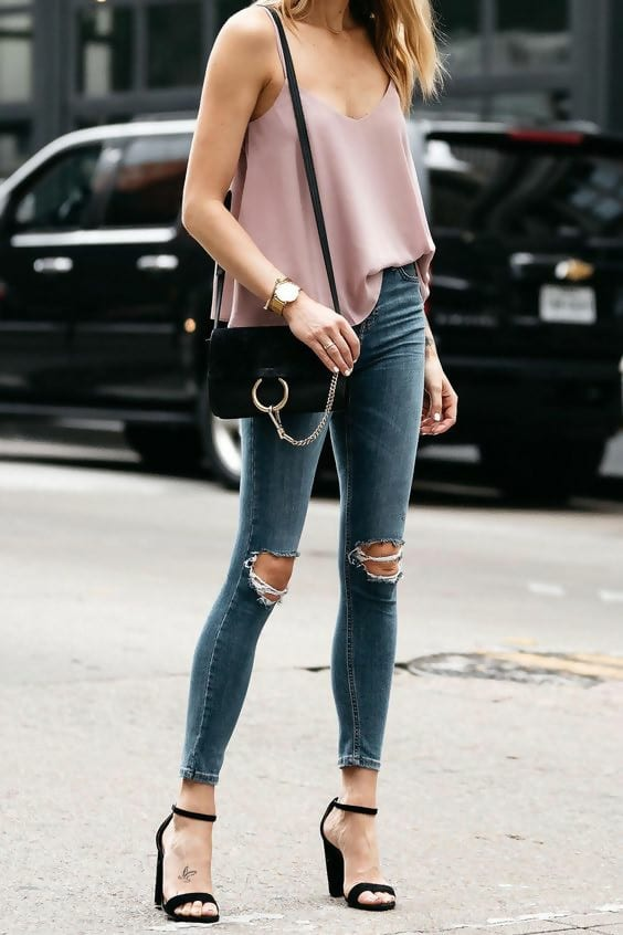 Stylish Ideas How to Create the Perfect Ripped Jeans Outfit