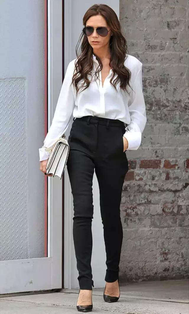 f9713c733 It's fashionable for office workers to change jeans to smoking pants or  wide-leg pants like below. ▽. work outfit